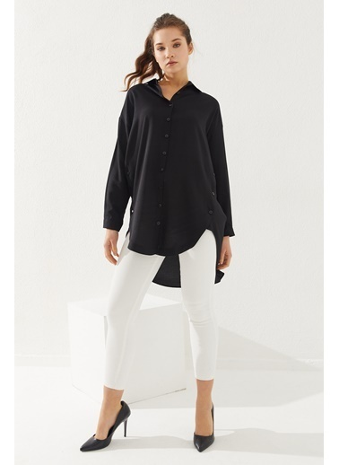 Reyon  Kadın Yanları Düğmeli Oversize Gömlek Beyaz Siyah